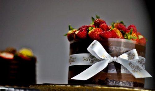 Tartas en Madrid tarta de cumpleaños chocolate con fresas